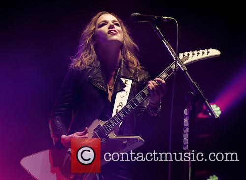Lzzy Hale and Halestorm 7