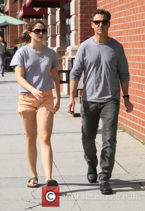 Tony Goldwyn takes his daughter shopping