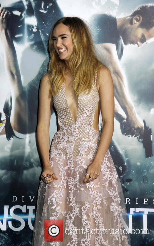 Suki Waterhouse 7