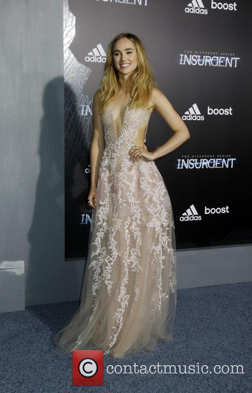Suki Waterhouse 11