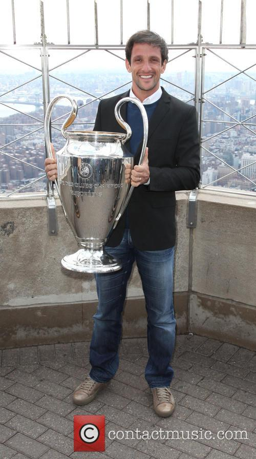 Juliano Belletti and Uefa Trophy 2