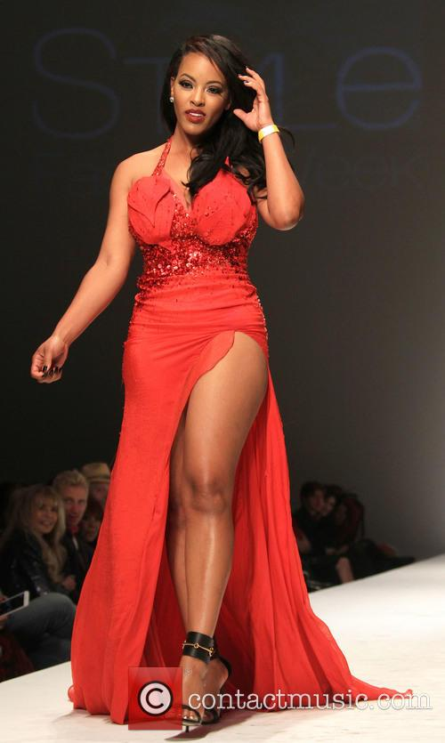 Model Style Fashion Week L A Fall Winter 2015 Go Red