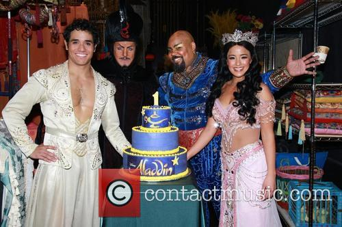 Adam Jacobs, Jonathan Freeman, James Monroe Iglehart, Courtney Reed and Cake By Beth Bennett Of Bebe Bakes 3