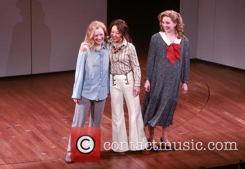 Elisabeth Moss, Ali Ahn and Cast 5