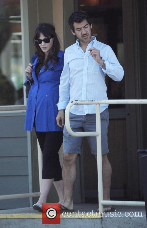 Zooey Deschanel and Jacob Pechenik 5