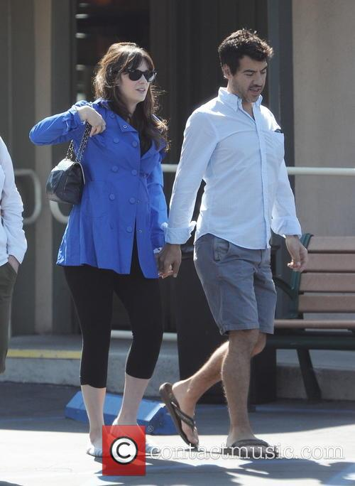 Zooey Deschanel and Jacob Pechenik 6