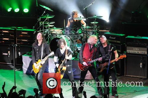 Damon Johnson, Ricky Warwick, Jimmy Degrasso, Scott Gorham and Robbie Crane 4