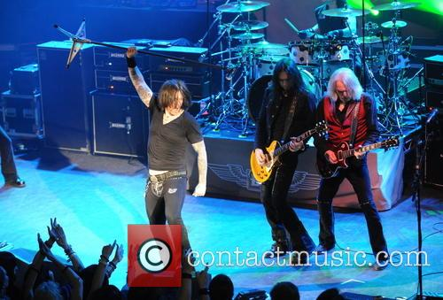 Robbie Crane, Ricky Warwick, Damon Johnson, Scott Gorham and Jimmy Degrasso 2