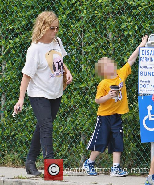 Amy Poehler and Archie Arnett 11
