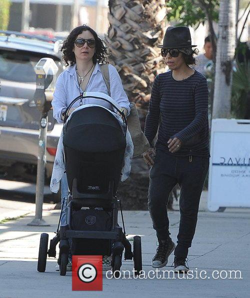 Sara Gilbert and Linda Perry 6