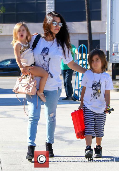 Kourtney Kardashian, Penelope Disick and Reign Disick 5