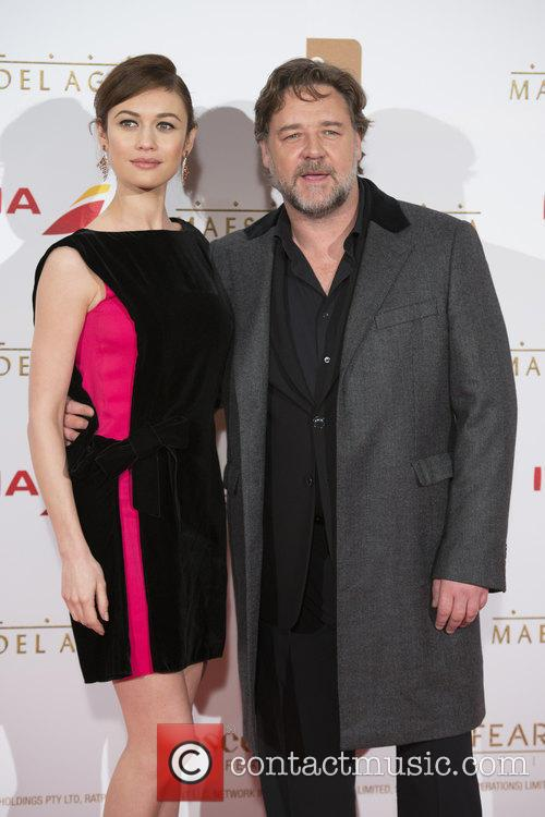 Russell Crowe and Olga Kurylenko 9