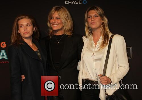 Pattie Hansen and Daughters 1