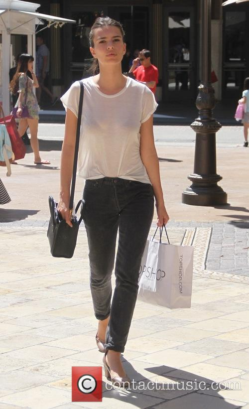 Model Emily Ratajkowski out shopping at The Grove