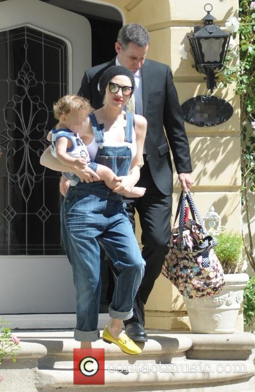 Gwen Stefani and Apollo Bowie Flynn Rossdale 2