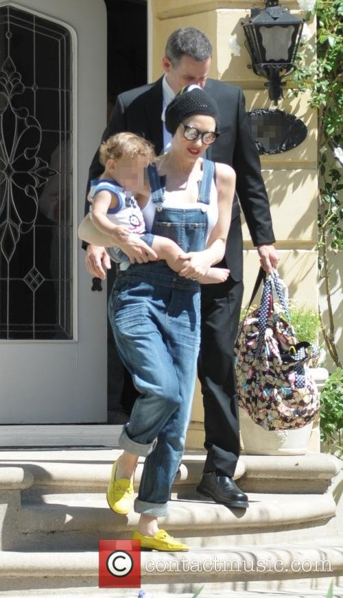 Gwen Stefani and Apollo Bowie Flynn Rossdale 3