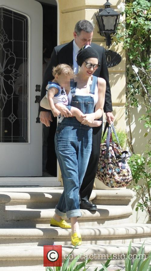 Gwen Stefani and Apollo Bowie Flynn Rossdale 4