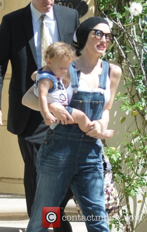 Gwen Stefani and Apollo Bowie Flynn Rossdale 1