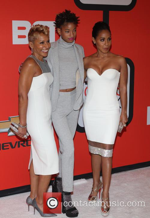 Adrienne Banfield-jones, Willow Smith and Jada Pinkett Smith 2