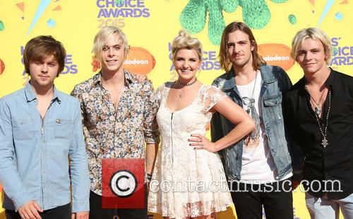 Ellington Ratliff, Riker Lynch, Rydel Lynch, Rocky Lynch, Ross Lynch and Musical Group R5 2