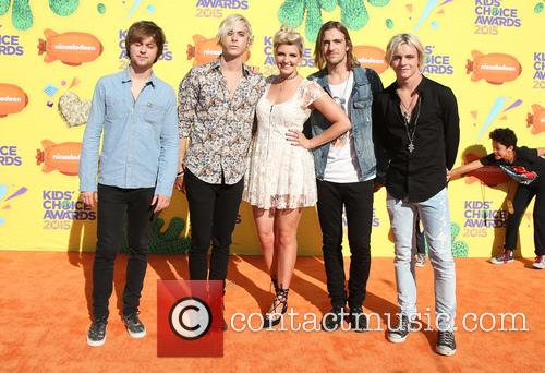 Ellington Ratliff, Riker Lynch, Rydel Lynch, Rocky Lynch, Ross Lynch and Musical Group R5 3