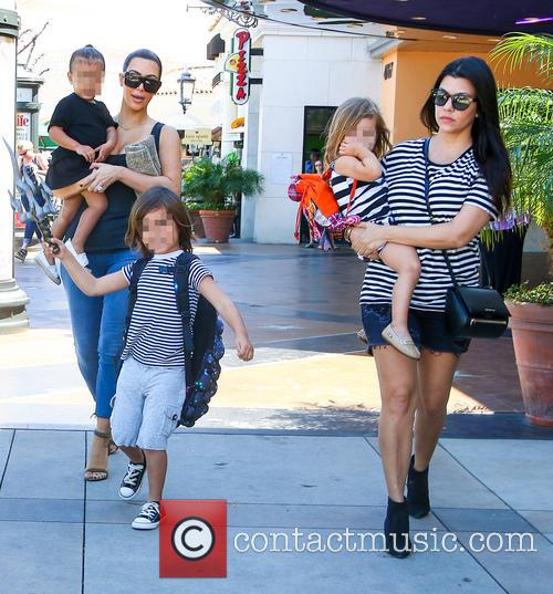 Kim Kardashian, Kourtney Kardashian, North West, Mason Disick and Penelope Disick 4