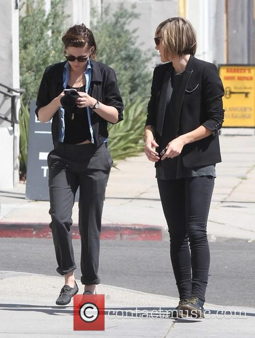 Kristen Stewart and Alicia Cargile 11