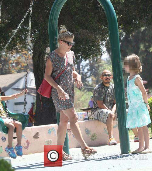 Busy Philipps, Birdie Leigh Silverstein and Cricket Pearl Silverstein 11