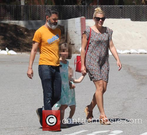 Busy Philipps, Marc Silverstein, Birdie Leigh Silverstein and Cricket Pearl Silverstein 7