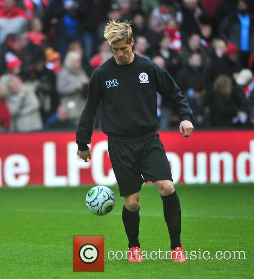 Steven Gerrard and Fernando Torres 8