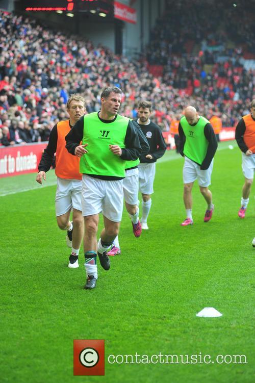 Steven Gerrard and Jamie Carragher 6