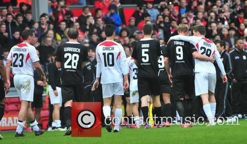 Steven Gerrard, Jamie Carragher, Steven Warnock, Luis Garcia, Scott Dann, Fernando Torres and Fabio Borini 3
