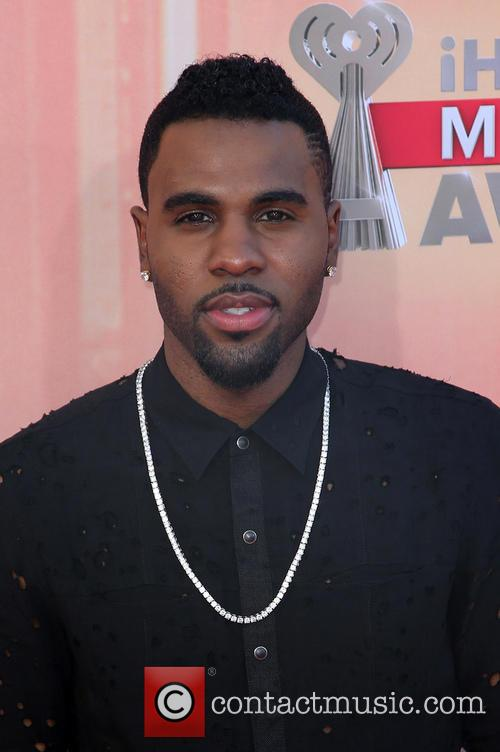 So Why Does The Internet Think Jason Derulo Fell Down The Met Gala Stairs?