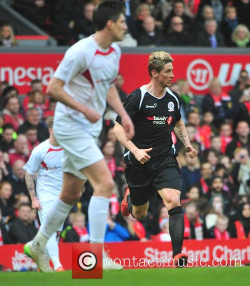 Steven Gerrard and Fernando Torres 11