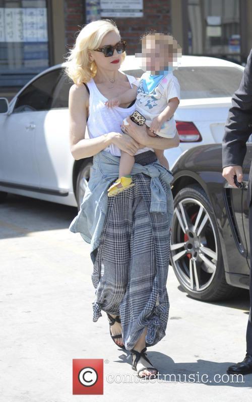 Gwen Stefani and Apollo Bowie Flynn Rossdale 2