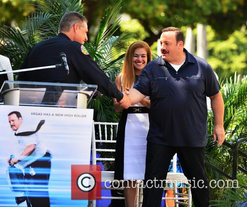 Kevin James receives star on Miami Walk of...