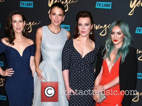 Miriam Shor, Sutton Foster, Debi Mazar and Hilary Duff 3