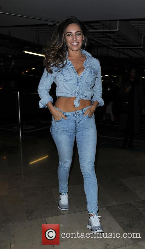 Kelly Brook leaving her hotel, and heading to...