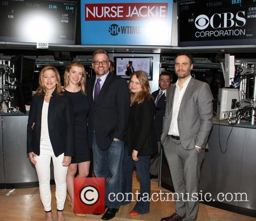 Cast of 'Nurse Jackie' rings The New York...