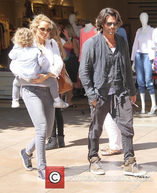 Elizabeth Berkley, Sky Lauren and Greg Lauren 3