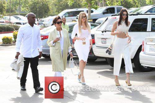 Corey Gamble, Kris Jenner, Khloe Kardashian and Kendall Jenner 3