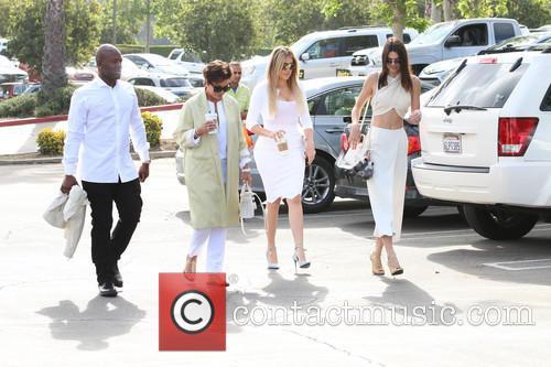 Corey Gamble, Kris Jenner, Khloe Kardashian and Kendall Jenner 1