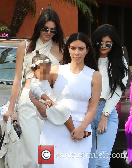 Kendall Jenner, Kim Kardashian, North West and Kylie Jenner 6