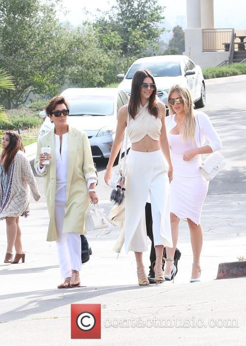 Kris Jenner, Khloe Kardashian and Kendall Jenner 3