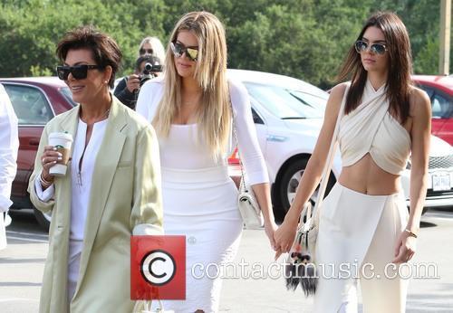 Kris Jenner, Khloe Kardashian and Kendall Jenner 8