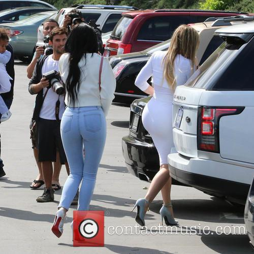 Kylie Jenner and Khloe Kardashian 3