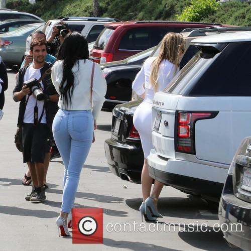 Kylie Jenner and Khloe Kardashian 4