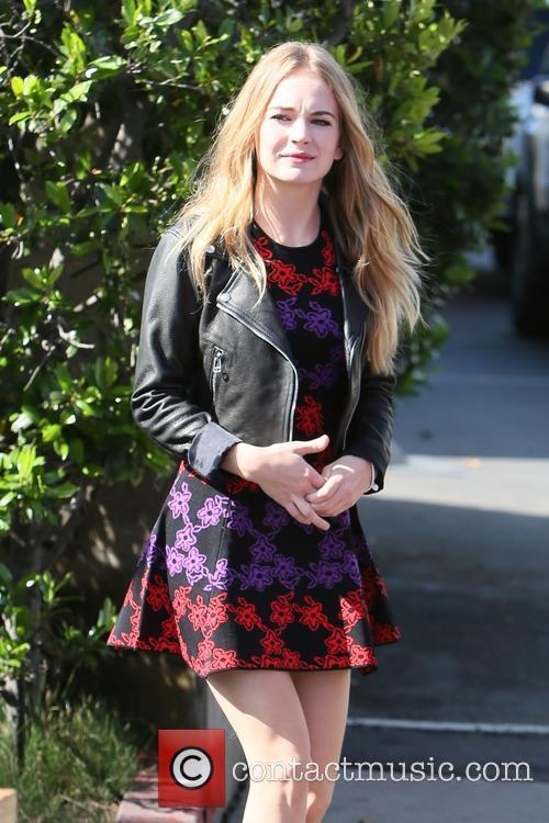 Britt Robertson 7