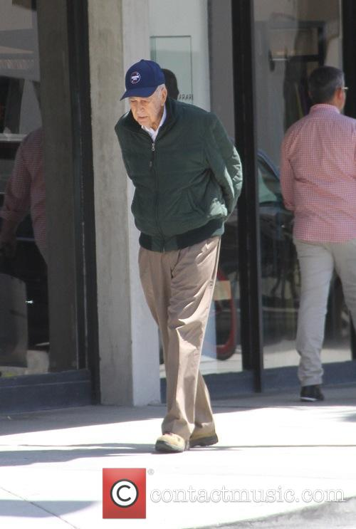 Carl Reiner goes shopping in Beverly Hills