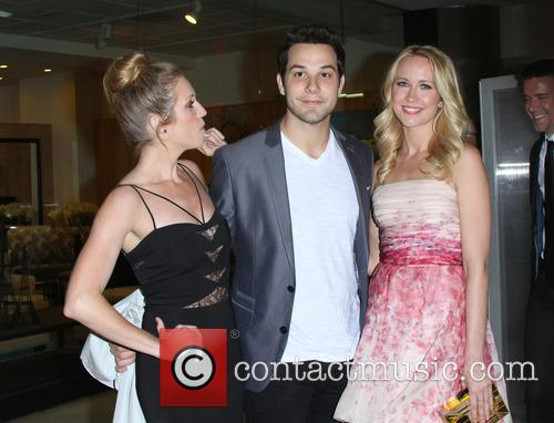 Brittany Snow And Anna Camp brittany snow skylar astin